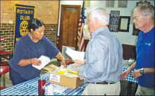 Rotary Provides Dictionaries to Winn Students